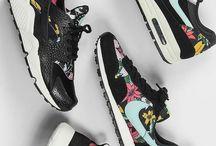 ː Sneakers ː