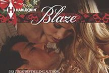 IN TOO CLOSE (HOLIDAY HEAT) / Holiday Heat trilogy from Harlequin Blaze