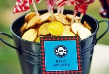 Pirate Party Inspiration / Pirate-themed party invitations, activities, favors, and snacks, perfect for a #neverlandparty!