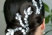 ballroom vlasy a šaty