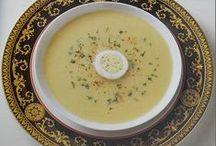 Lebanese Recipes / Lebanon recipes, hospitality, food, cook, mezza, cuisine, bowl of soup, salad vegetables http://www.discoverlebanon.com/en/recipes/