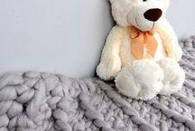 Pledy i koce  BLANKETS / Ręcznie wykonane pledy z bawełnianego sznurka oraz wełny czesankowej Handmade blankets - cotton, wool