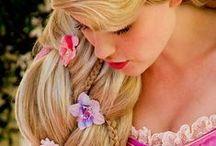 Princesses Disney / Imaginez les princesses Disney dans la vraie vie, s'apprêtant à se rendre à leur bal. A quoi ces demoiselles pourraient-elles ressembler ? Et bien Chic et Mignonne a une petite idée…