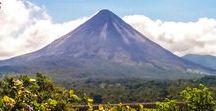 Costa Rica Reisetipps und Inspiration / Sattgrüne Regenwälder, tosende Wasserfälle, aktive Vulkane, leuchtend blaue Flüsse und eine faszinierende Tier- und Pflanzenwelt erwarten dich in Costa Rica, dem winzigen lateinamerikanischen Land, das zwischen Nicaragua und Panama liegt.