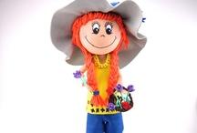 Fofucha Lizy / Mostramos a nuestra querida Lizy, muy campestre. Es una fofucha hecha con goma eva o Foam de colores. Es un material termoformable que nos permite hacer verdaderas monerías