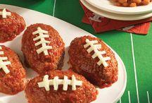 Football Season & Tailgating Recipes / Delicious recipes to cook during football season and at your tailgating events!