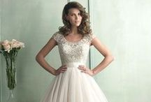 Wedding Dresses / by Melissa Marble