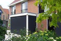 Screens / Screens: doeltreffende zonwering. Ze zijn bescheiden aanwezig en geven een rustig aanzien. http://www.suncircle.nl