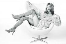 Collection vue par Stuart Weitzman / Un large choix de modèles très féminins de la marque Stuart Weitzman disponible chez Armenak Chausseur !   www.armenak.fr