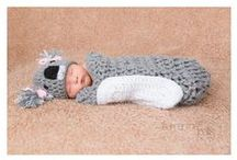 Crochet Newborn Photography Props / Cute ideas for baby's first photos.