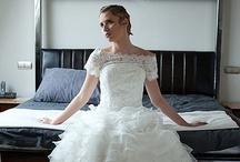 Ślubne suknie DW 2012 / Pinterest wita Panny Młode. To właśnie tu znajdziesz zdjęcia sukien ślubnych, wykonanych z wysokiej jakości  materiałów, ozdobionych intrygującymi dodatkami, mających unikalny design - wszystko to by urzeczywistnić Wasze marzenia o idealnym ślubie.