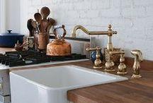 Decor Ideas: Dreamy Kitchens / Decor ideas for a dreamy rustic farmhouse-style kitchen!