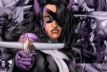 Huntress | Helena Wayne & Helena Bertinelli / Helena Bertinelli is born into one of Gotham's mafia families, became a violent vigilante destroying those that had killed her family. Though she has come more closely in line with other superheroes (after joining the Birds of Prey for instance) her methods are still harsher than most. ★ Helena Wayne was the daughter of Batman and Catwoman of Earth 2. She took up the identity of the Huntress to catch her mother's killer.#DC comics