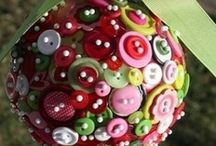 button, button, who? / collecting and displaying buttons / by rUth j-MAc