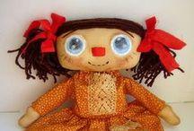 тряпошные куклы / куклы примитивы, куклы- наивы, куклы подушечного стиля, может быть и тыквоголовки. Но в основе- ткань и  (в основном) роспись