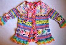 Tyttöjen neuleet / Girls' knitwear