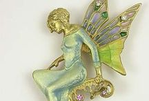 Jewellery - Brooches / by Mary Kay Lewis