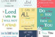 Bijbel / Dit bord is geïnspireerd door versierde Bijbels. Een creatieve uiting van geloof, en ook meditatief. Maar alles wat betrekking heeft op de Bijbel en inspireert tot geloof kan in dit bord.