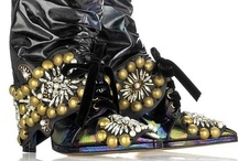 OUTLANDISH DESIGNER FOOTWEAR..            WHAT WERE THEY THINKING?? / Weird, sometimes bordering on the ridiculous, but always very artsy Designer Foorwear!!