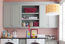Laundry Rooms / pretty laundry room inspirtation / by Evelyn Fredrich