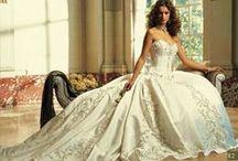 Wedding, Bridesmaids, MOB & MOG Dresses / Wedding Dresses, Bridesmaids Dresses & Mother of the Bride/Groom Dresses