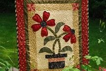 Table Runners/Toppers/Mug Rugs - Quilting / by Judy Calley