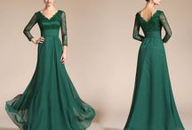 mother of the bride dresses / by Cynthia Coughlin💚
