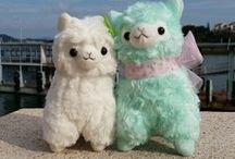Arpakasso / A board with cute alpacas, which are called Arpakasso in Japan.