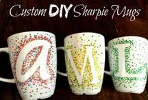 DIY Gift Ideas / Gift Ideas and Homemade DIY Gifts to save money
