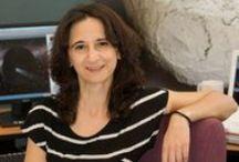 """Mujeres Con Ciencia: Noemí Pinilla """"Los astrofísicos somos los nómadas de la ciencia"""" / Mujeres con ciencia. Astrofísica. Ha desarrollado su actividad en el Instituto de Astrofísica de Canarias, en el telescopio italiano del Roque de los Muchachos en La Palma, en el Centro de Investigación AMES de la NASA, el Observatorio de Valongo, el Instituto de Astrofísica de Andalucía, el SETI, y desde agosto de 2012, investigando en el Departamento de Ciencias de la Tierra y Ciencias Planetarias de la Universidad de Tennessee, Knoxville, (USA)."""