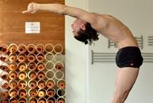 Homens - Movimento do corpo / Corpos masculinos / by Chilliwiki