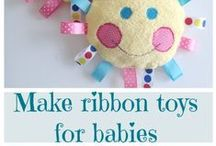 Handmade Baby Gift Ideas / Sewing and craft projects that make great gifts for new parents.