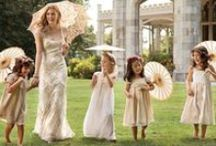 Wedding Umbrellas Can Make Your Wedding a Classy Affair / One particular accessory has become one of the biggest trends in wedding ceremonies, the wedding umbrella or wedding parasol