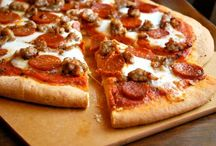 Pizza Recipes / Because who doesn't love pizza?