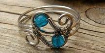 Gioielli / anelli, collane ,bracciali realizzati con fili di mallo, monete o con materiale di riciclo wire wrapping