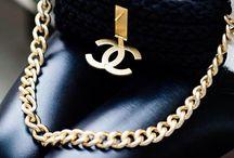 Accesories / Bracelets necklaces hair earrings