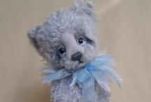 Children ~ Teddy Bears / by Debbie Leggett