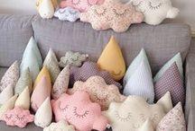 Pillows <3 / by Minh Chum