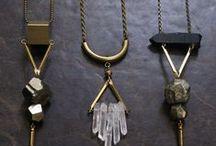 Des bijoux tres charmants. / Bijoux délicats et élégants ethniques pas pretentieux.