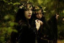 Witch Halloween Wreath Salem __/__@