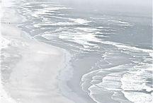 """Wasser I water / """"Das Prinzip aller Dinge ist Wasser; aus Wasser ist alles, und ins Wasser kehrt alles zurück.""""  Thales von Milet"""