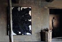 """Wohnen mit Kunst I living with art / """"Nein, die Malerei ist nicht dazu da, die Appartements zu schmücken. Sie ist eine Waffe zu Angriff und Verteidigung gegen den Feind."""" Picasso"""