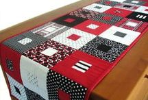 Table runners, place mats, mug rugs, & small quilts / Quilting on a smaller scale