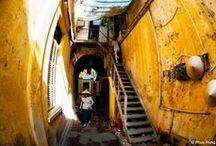 Hanoi - Die Hauptstadt von Vietnam / Hanoi, die Stadt am Roten Fluss, gilt als eine Perle Südostasiens. Mit historischen Tempeln und Pagoden, gut erhaltenen kolonialen Strukturen und einer exquisiten Küche ist Hanoi ein Erlebnis, das seinesgleichen sucht.   Hanoi hieß früher 'Thang Long' oder 'Aufsteigender Drache'. Die 1000 Jahre alte Hauptstadt Vietnams offenbart ihre sanfte Anmut in ihren schattigen Boulevards, im bunten Gewirr der belebten Gassen, und den unzähligen hübschen Seen, Tempel, Pagoden und Museen.