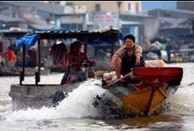 Cai Rang Markt / Das pulsierende Leben auf dem schwimmenden Cai Rang Markt fasziniert Sie und führt zum Herz des Mekong-Delta. Lassen Sie sich Zeit nehmen, zum Genießen.