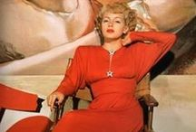 HH 1940s Rouge  : Vintage Fashion / Inspiration behind the dress