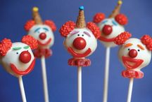 cake pops / by All About Fondant (and others)