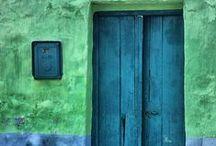 Behind The Door / by Wilma