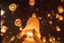 Floating lanterns¤¤°°••°°••°••°•°•°•°