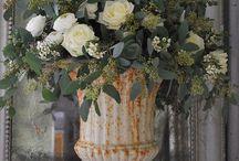 Elegant Planters & Urns / Landscaping